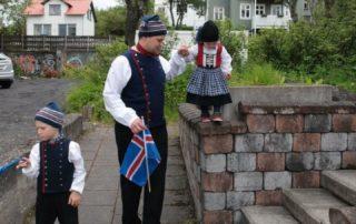 Annríki - Þjóðbúningar og skart. Barnabúningar og herrabúningur.